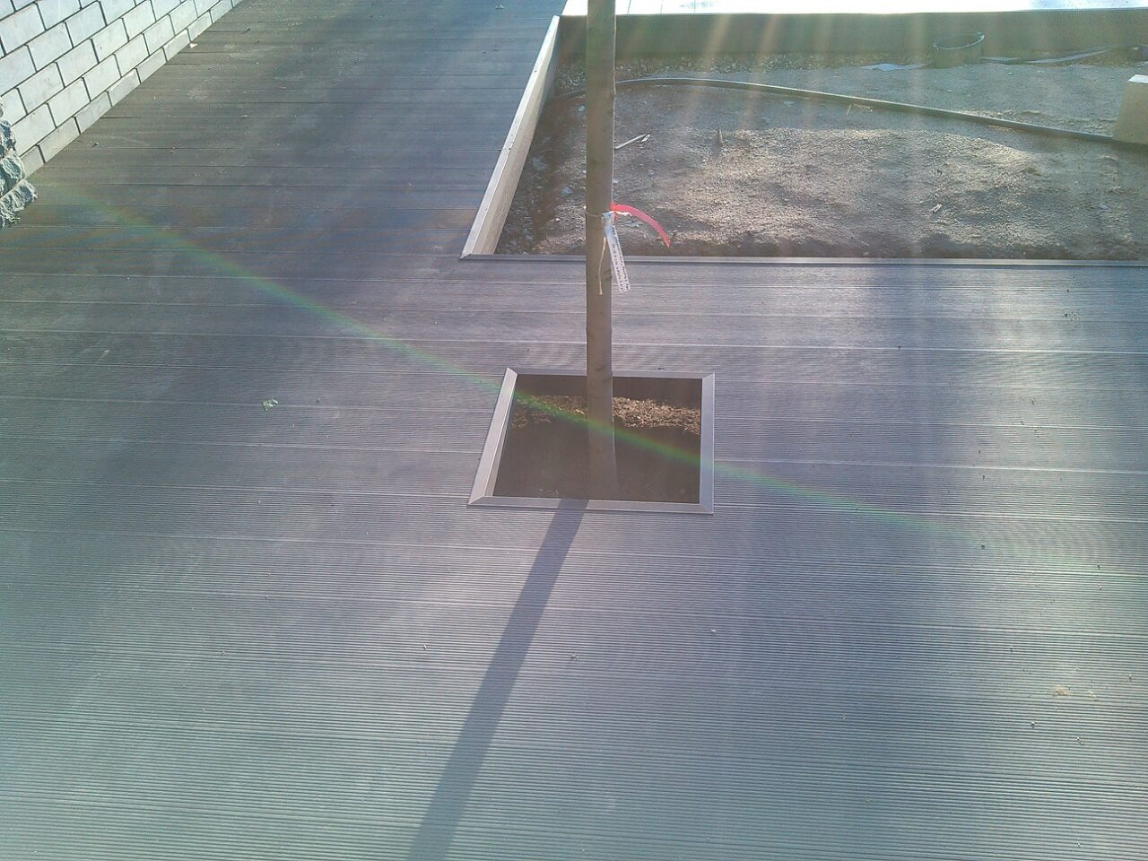 Терраса вокруг спортивной площадки